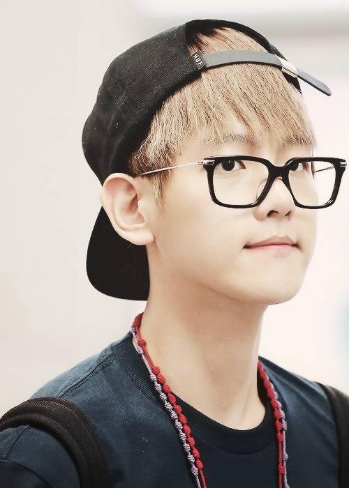 385206-exo-baekhyun-glasses